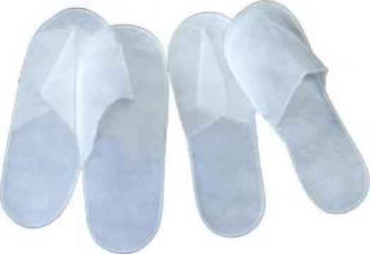 Papuci de unica folosinta din material netesut de la Sud Sudvrwe SRL
