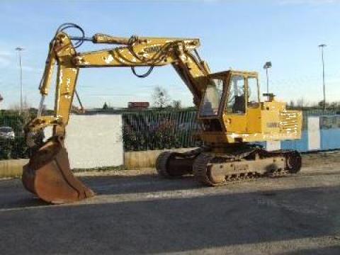 Excavator pe senile de la Rox Macarale Srl