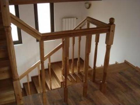 Balustrada din lemn masiv de paltin de la Bigal Plast