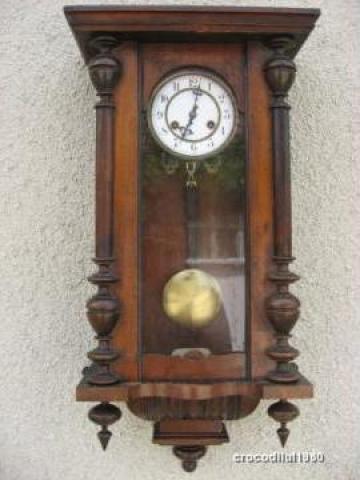 ceasul de perete junghans dating