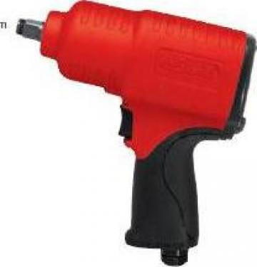Pistol pneumatic de insurubat