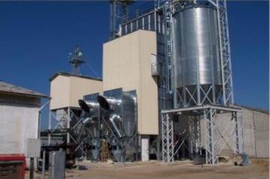 Silozuri cereale cu palnie metalica pentru incarcare rapida de la Useprest