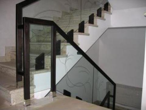 Balustrada din sticla securizata cu lemn de la Metalconfex