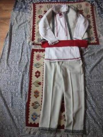 Costum popular Muntenia de la S.c. Myratis S.r.l.