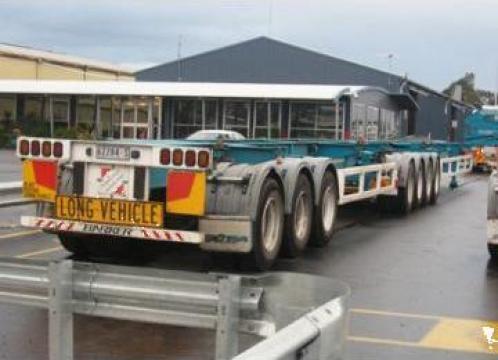 Transport platforme de la Universal Spedition Srl