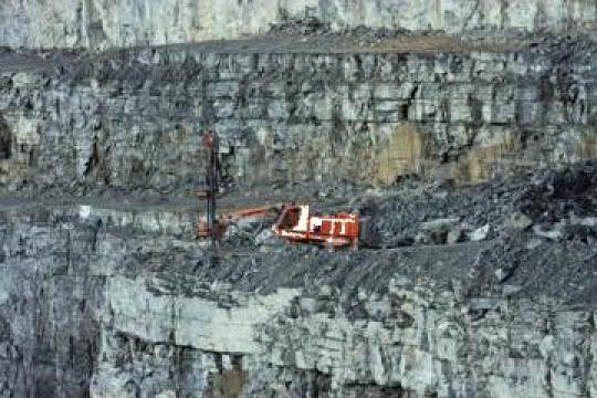 Piatra sparta pentru drumuri de la Mineral Holding