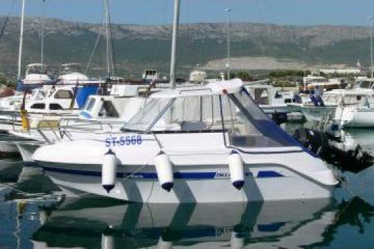Ambarcatiune pescuit Bluestar Ventura Cabin de la Yachtpark Kft.