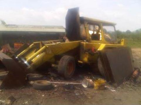 Dezmembrare excavator JCB 3cII de la Auto-Kodin Srl