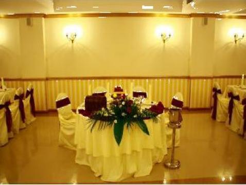 Aranjamente decor nunta mese invitati