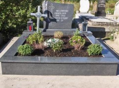 Monument funerar din granit impala