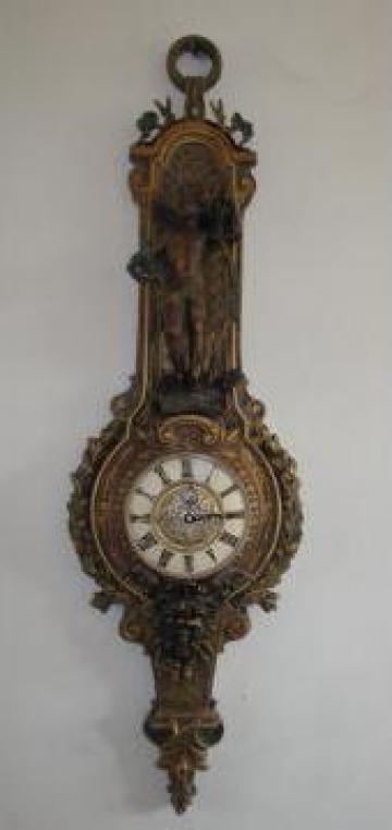 Ceas perete sculptat manual de la PFA Asandi Simion