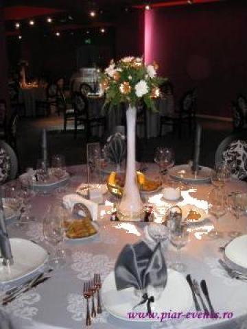 Vaze inalte cu oglinda si pietricele decorative de la Piar Events