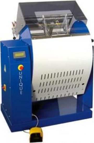 Masini mixte de ambalat (orizontal/vertical) de la Standard Plastica Tehnic Srl
