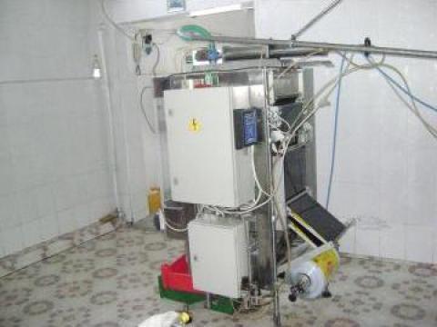 Masina de ambalat lichide la punga de la Pufino Srl