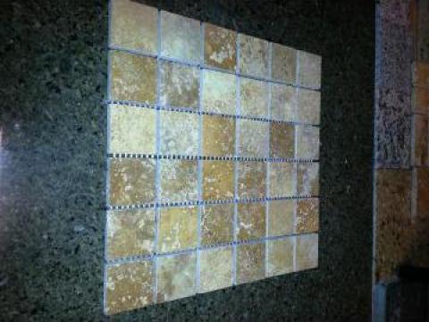 Mozaic travertin galben de la Geo & Vlad Com Srl