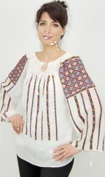 Ie traditionala romaneasca brodata manual de la Cadys Trend Srl