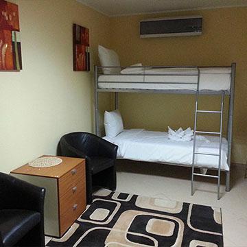 Cazare in camera 4 - 8 paturi Monte Cristo Hostel