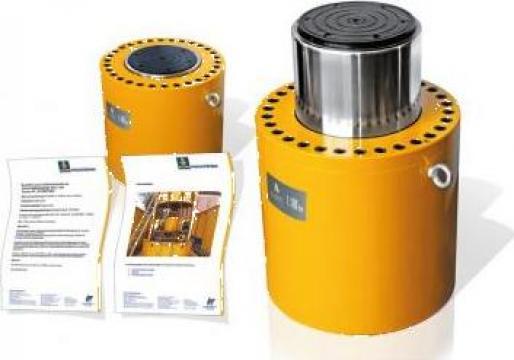 Cilindrii hidraulici de mare capacitate de la Hidraulica Industrial Srl.