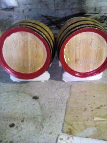 Butoaie lemn de stejar pentru vin de la PFA Tanase Victor