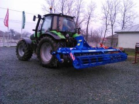 Disc agricol scurt cu talere independente si tavalug/ 4 m de la Agritech Srl