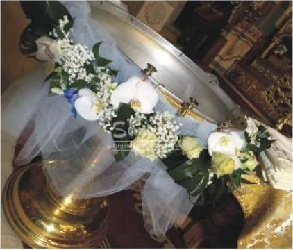 Decor cristelnita din flori de la Simonne