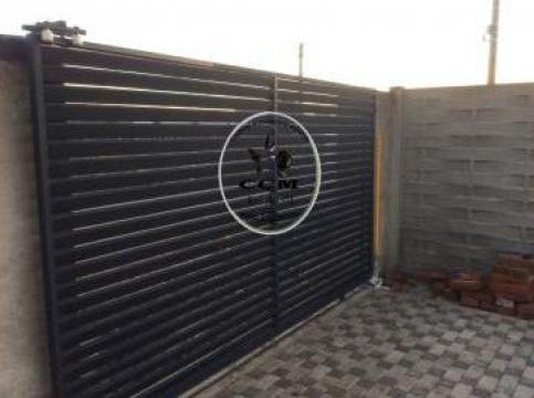 Gard lemn evantai pe structuraj fier de la CCM Ecorom Srl