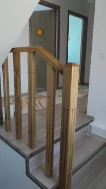Balustrada lemn stejar cu balustri frezati