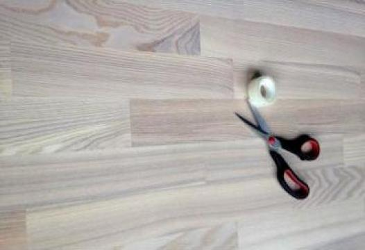 Parchet din lemn de frasin, triplustratificat de la Alveco Montaj Srl