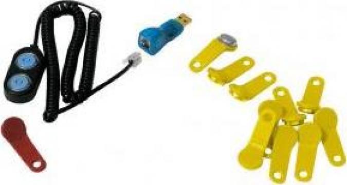 Kit descarcare date Piusi - chei, cablu, adaptator