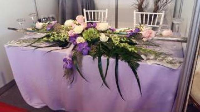 Fete de masa lila pentru evenimente de la Trendevents