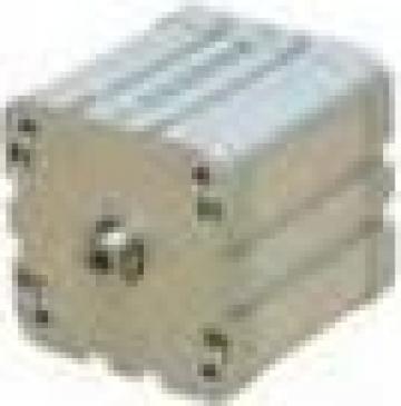 Cilindri pneumatici compacti, dublu efect, magnetic de la Nascom Invest