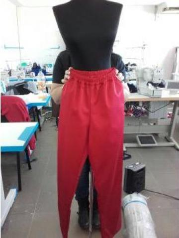 Pantalon rosu de bucatar