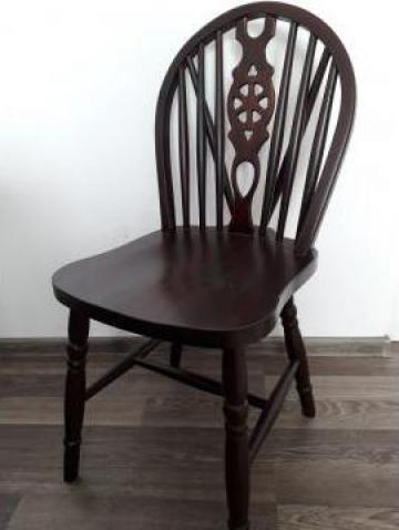 Scaune din lemn masiv de la Uv Furniture Sa