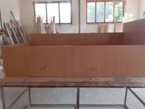 Pat cadru si picioare lemn masiv, tablii si laterale din pal