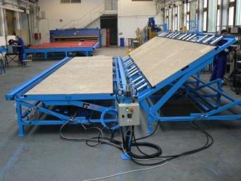 Masa fluture pentru fabricarea peretilor framing din lemn