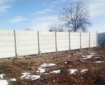 Garduri din placi de beton de la