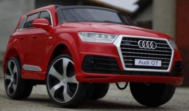 Jucarie masina cu scaun tapitat Audi Q7 2x35W 12V
