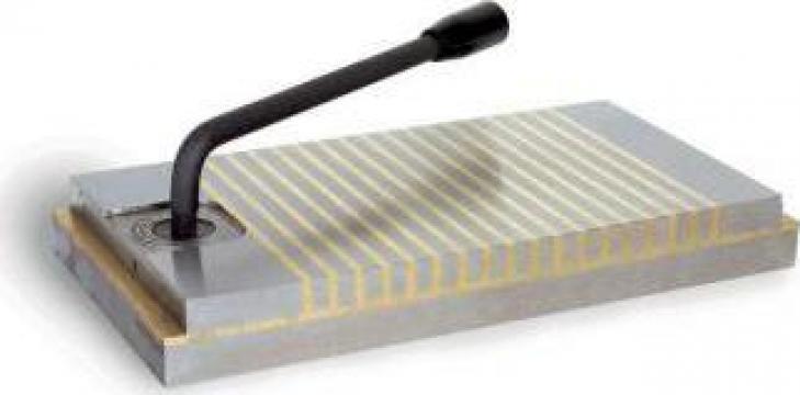 Masa ultra-subtire cu magnet permanent de fixare PM-300T de la Proma Machinery Srl.