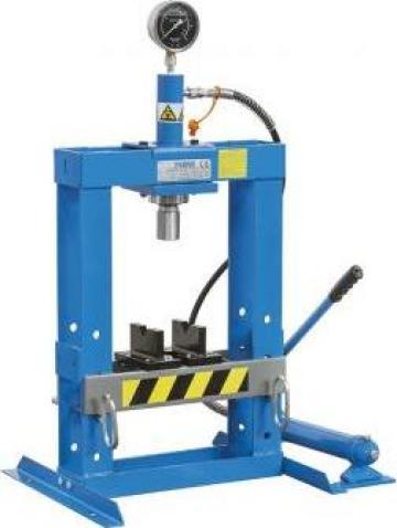 Presa hidraulica pentru ateliere mecanice P001/10 de la Proma Machinery Srl.