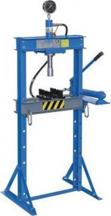 Presa hidraulica pentru ateliere mecanice P001/12 de la Proma Machinery Srl.