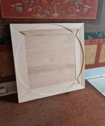 Rama din lemn de tei de la Hexi Center Srl