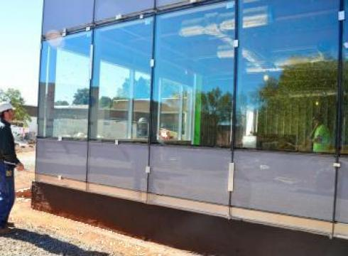 Pereti cortina - vitrine magazin