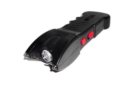 Electrosoc cu functie de lanterna