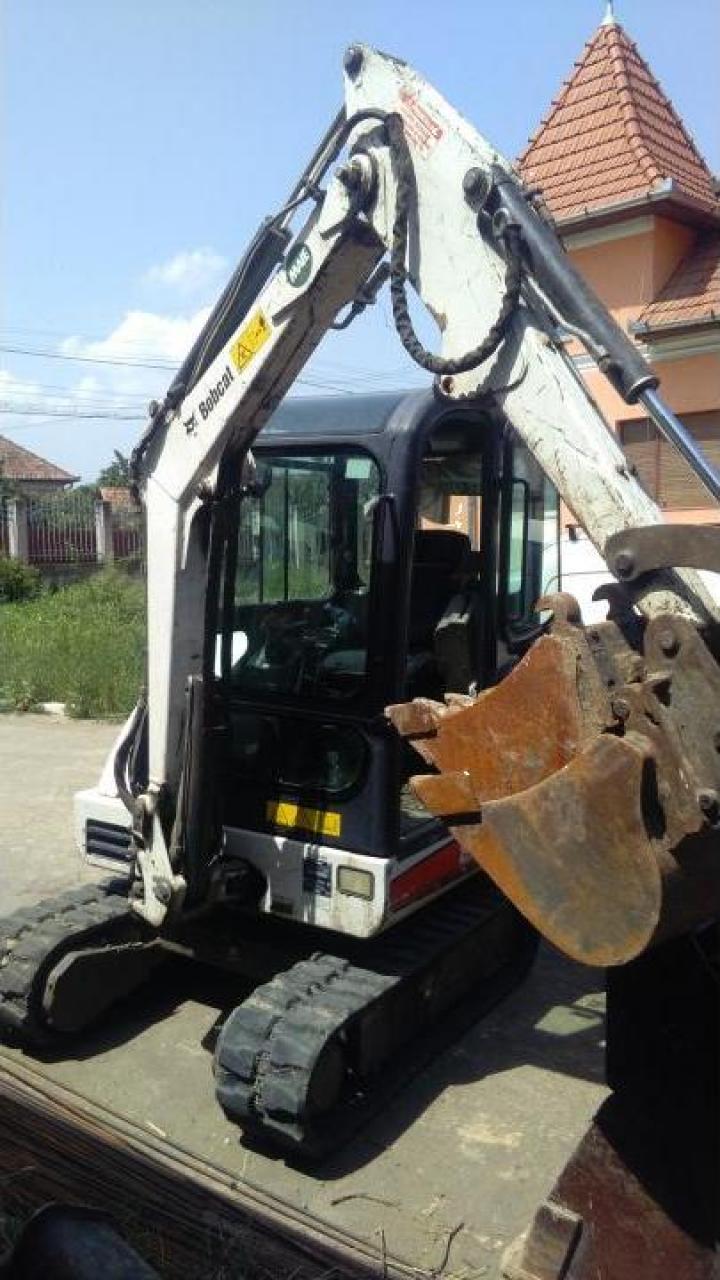 Inchiriere mini excavator Bobcat 328
