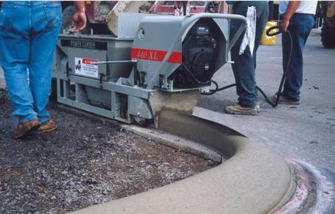 Masina de extrudat borduri Power Curbers