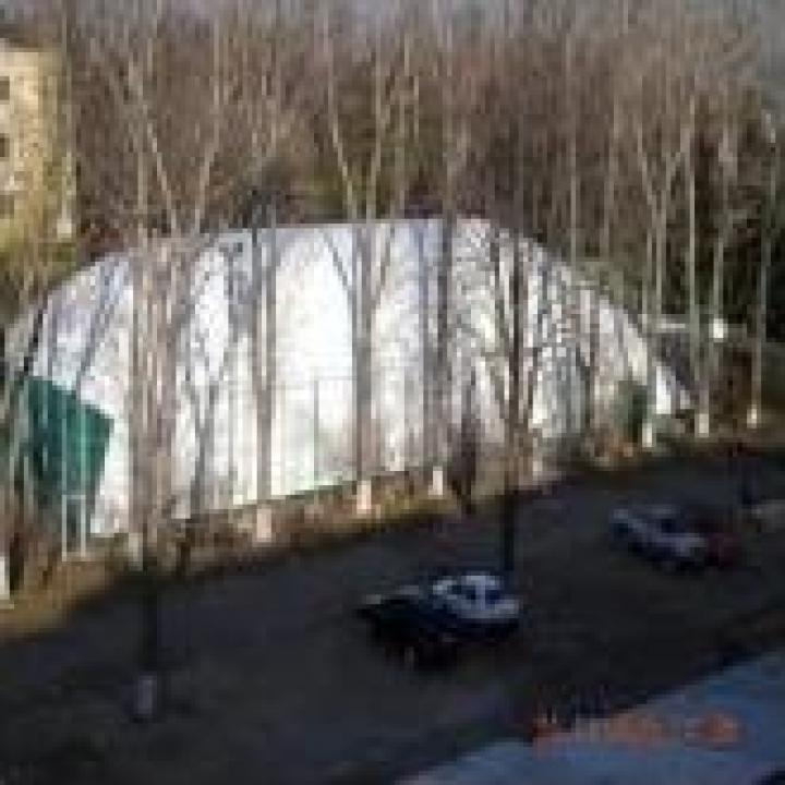Balon presostatic pentru acoperire teren sportiv