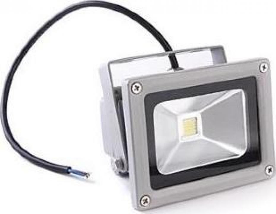 Proiector metalic cu LED de 10W si lumina alba rece